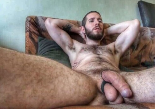 Big-Beefy-British-Bulls-hung-jon-east-london-cock