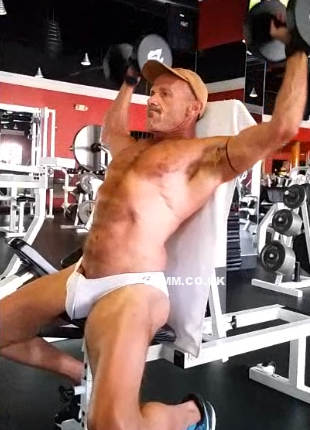 An Exhibitionist At The Gym