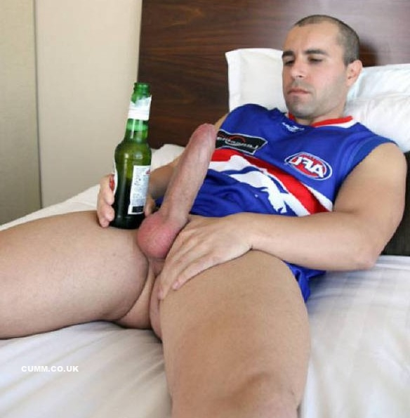 rugby-lads-erect-cocks